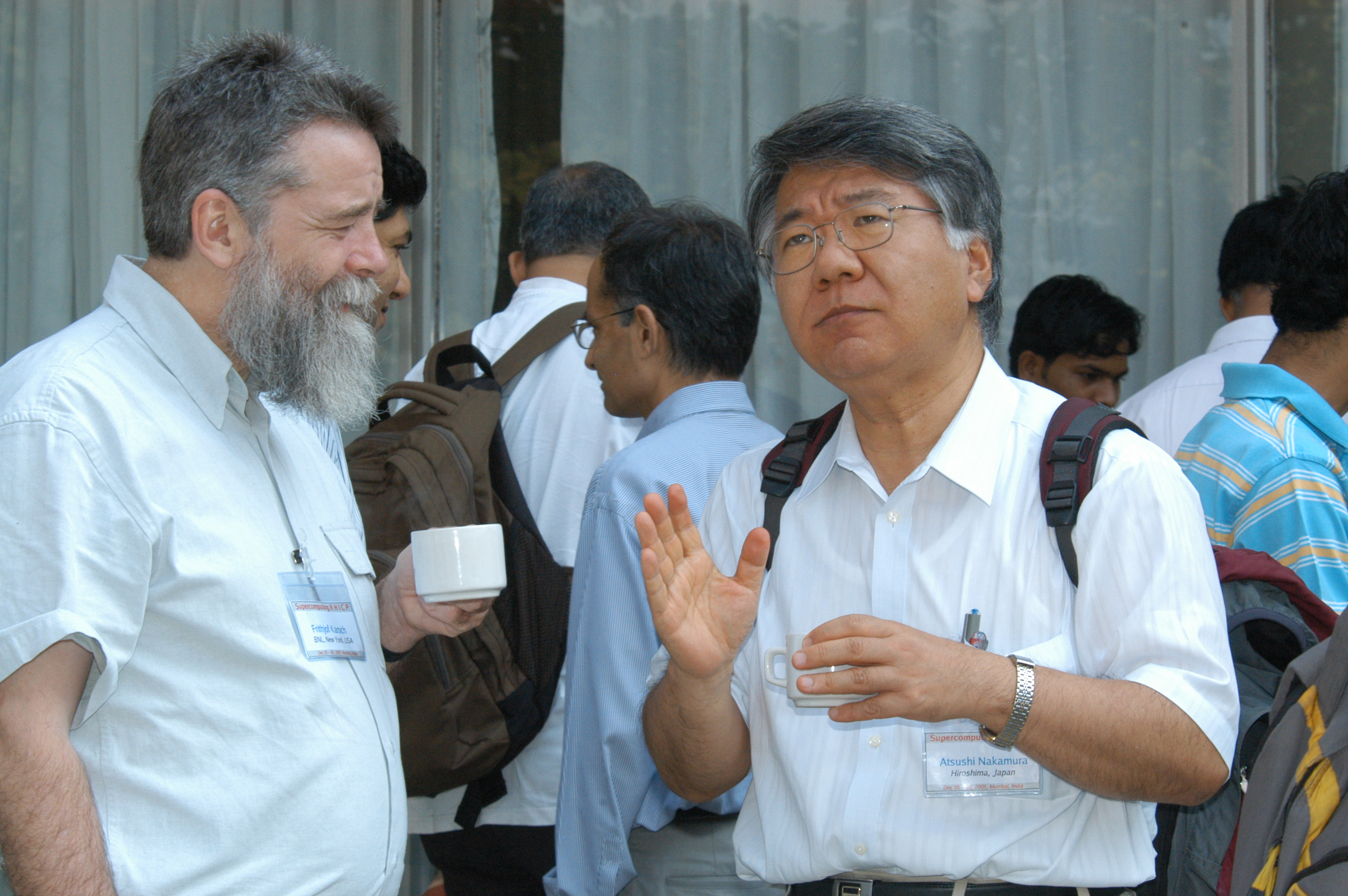 Frithjof Karsch (BNL) Atsushi Nakamura (Hiroshima)